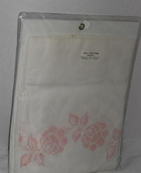 Pair of Pillow Cases for Embroidery - Roses - Click Image to Close